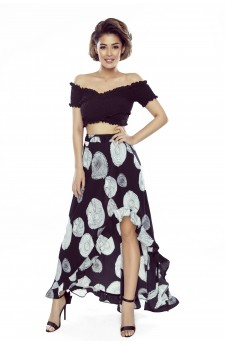Skirt with frills and an elongated back
