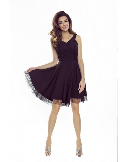 Sukienka z rozkloszowanym dołem zakończonym plisowaną wstawką