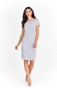 Pudełkowa sukienka w grochy z krótkim rękawe.