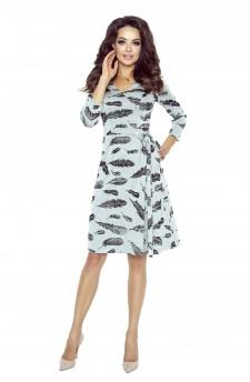67-02 Eva-Komfortowa sukienka biurowa (Czarne Pióra)